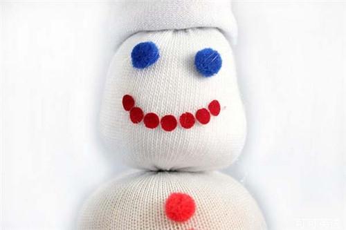 今年用袜子diy雪人 圣诞节便宜又可爱