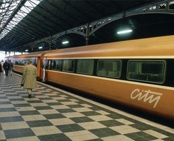 常用英文标识_翻译词汇:常用标识语和提示语—地铁和火车_翻译词汇 - 可可英语