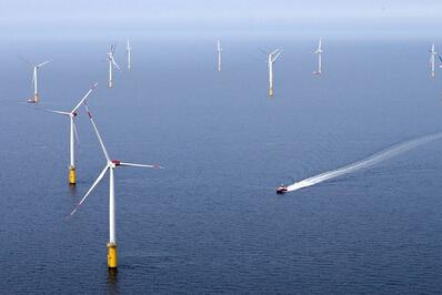 苍茫大海上的风车 海上风电的德国教训