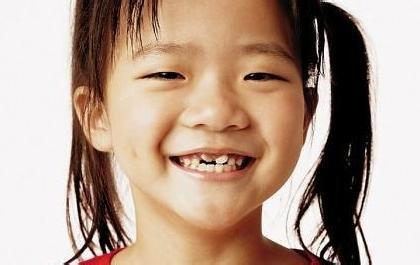 新奇事件簿(翻译+字幕+讲解+试题):龋齿是孩子去医院的首要原因.jpg