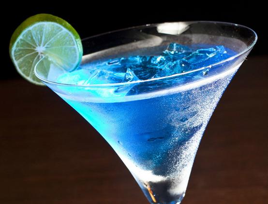 酒的名称蓝色妖姬、血腥玛丽_求所有著名鸡尾酒名称,例如 蓝色夏威夷 各种鸡尾酒的名字 越 ...