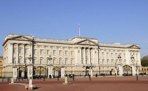 白金汉宫翻修耗资1.5亿英镑,英女王或搬家.jpg