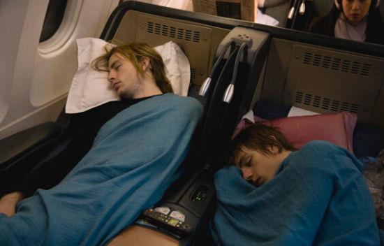 飞机上好冷怎么办?