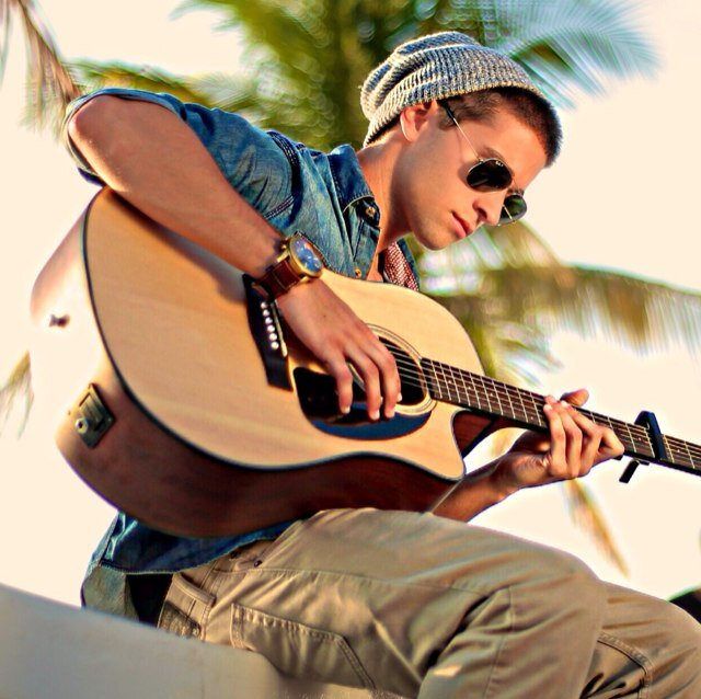 Jake-on-Guitar-jake-miller-35692129-640-638.jpg
