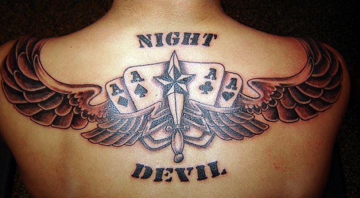 圣经纹身英文_纹身在中国不再是禁忌_美容化妆_双语阅读 - 可可英语