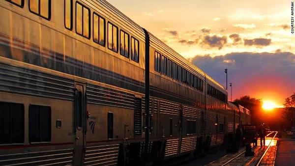 鼓励作家们免费搭乘的火车