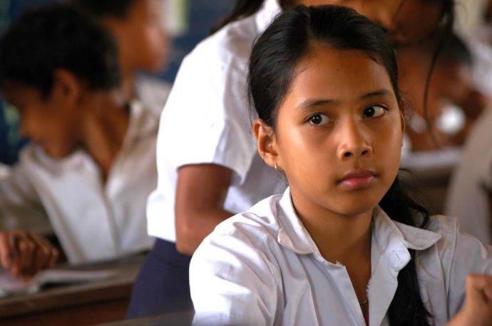 柬埔寨学生.jpg