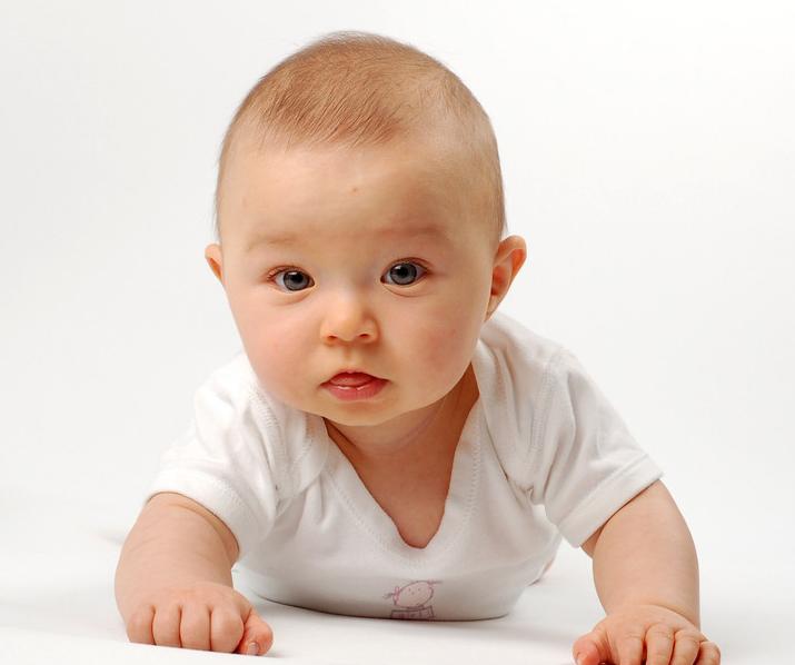 婴儿时期的发音