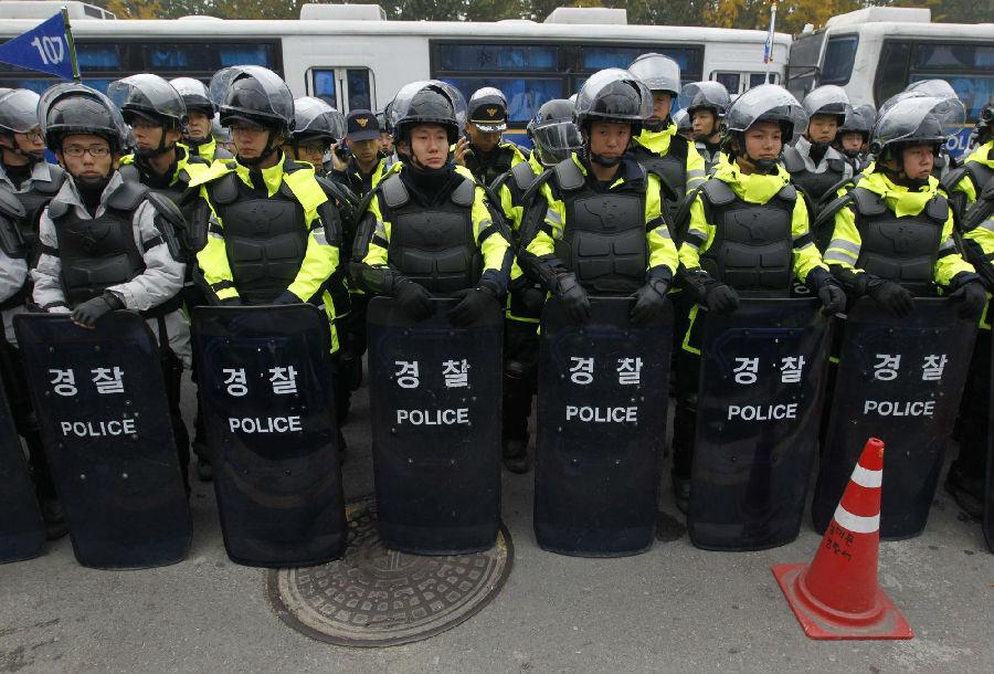 韩国7万人大游行要求朴槿惠下台