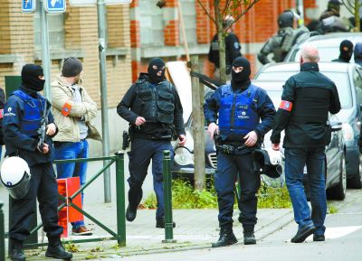 警方在布鲁塞尔区锁定巴黎袭击案极端分子