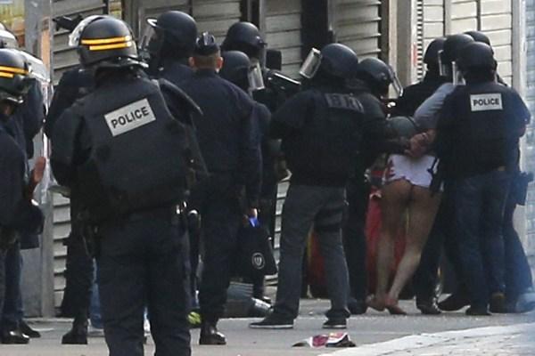 法警方逮捕一名恐袭嫌犯.jpg