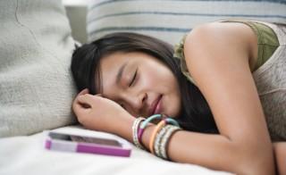 睡眠不足的青少年更容易受伤