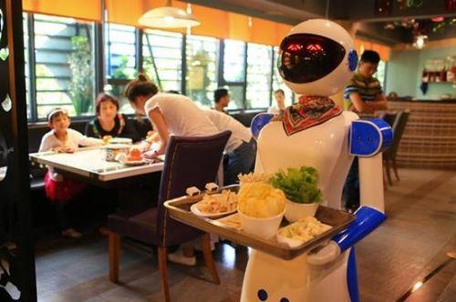 广州餐厅机器人服务员被炒鱿鱼