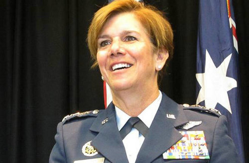 美国防部首位女司令.jpg