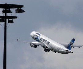 PBS高端访谈:载66人埃及航空航班失联