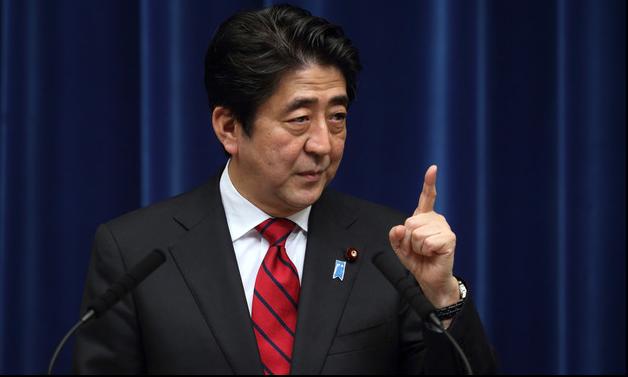 日本民众反安倍情绪升温.jpg