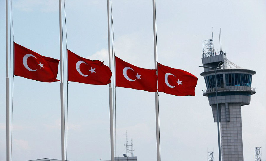 机场爆炸案之后, 土耳其人变得非常脆弱