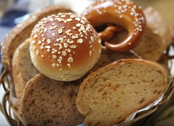 大家说英语(MP3+中英字幕) 第250期:美味面包