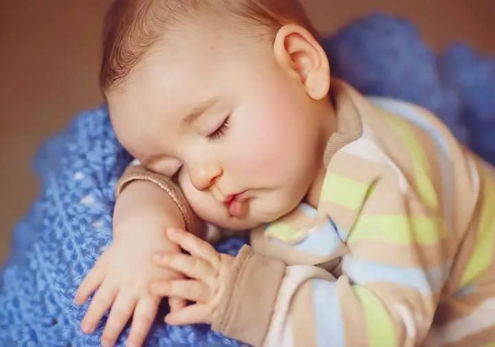 儿童早睡预防日后肥胖.jpg