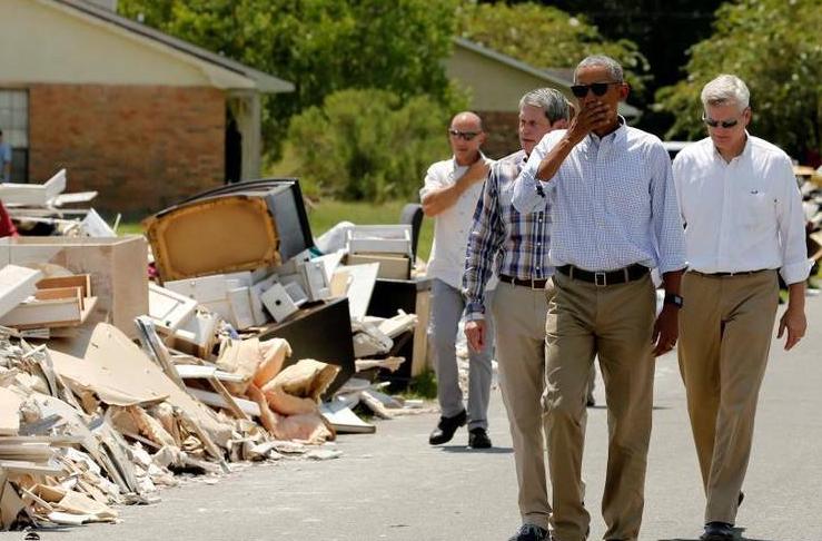 奥巴马视察路易斯安那州洪水灾区