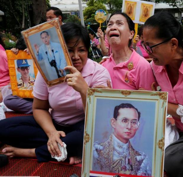 泰国国王普密蓬去世.png