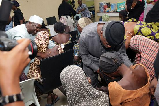 21名被绑架尼日利亚少女得以释放.jpg