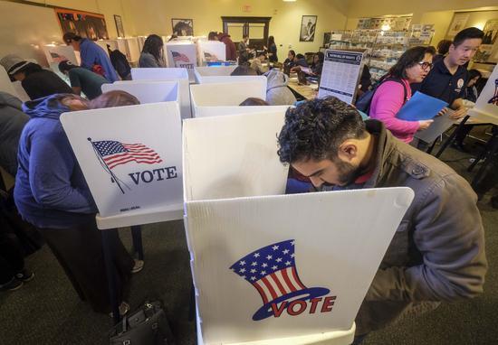 加州投票站发生枪击案.jpg