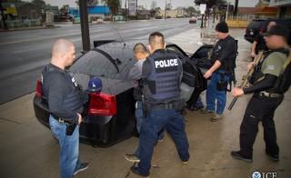 美国突袭行动让非法移民惊慌不已