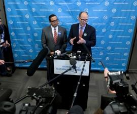 汤姆·佩雷斯当选美民主党全国委员会主席