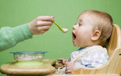 婴儿吃饭 简笔画