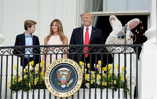 特朗普与儿童共度复活节.png