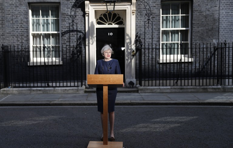英国首相特蕾莎·梅宣布提前大选 是否冒风险?