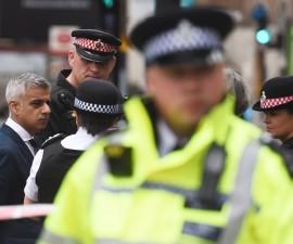 英国警方逮捕伦敦桥袭事件嫌疑人