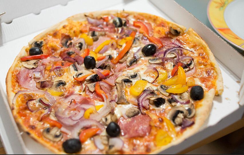 芝加哥监狱允许囚犯点外卖披萨2.jpg