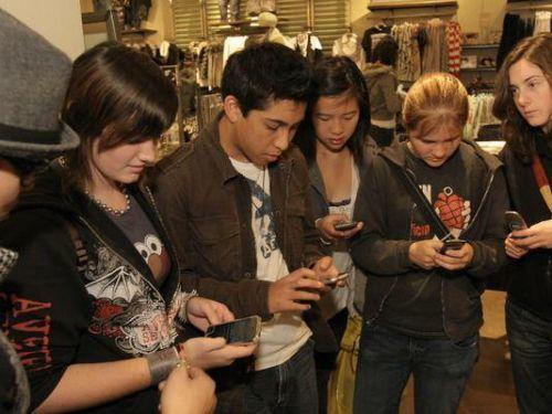 科罗拉多或禁止13岁以下儿童使用智能手机.jpg