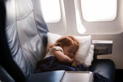 可可新闻脱口秀 第759期:带小孩坐飞机没买票引争议