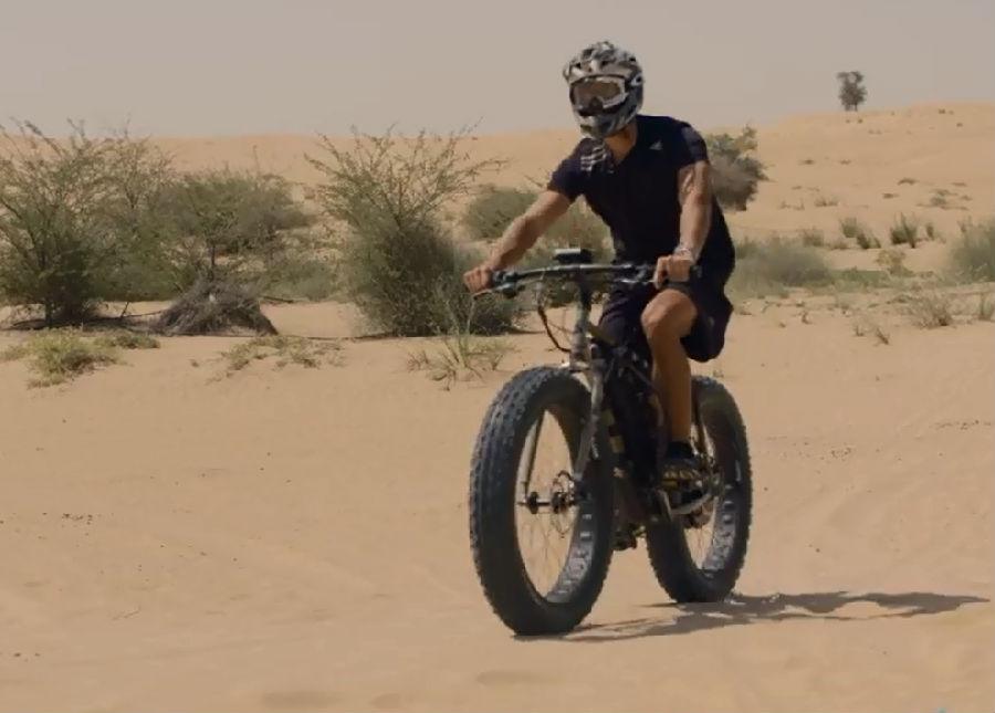 在迪拜的视频骑自行车_英语听力傣乡视频情舞蹈沙漠图片