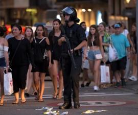 巴塞罗那旅游区爆发汽车恐袭