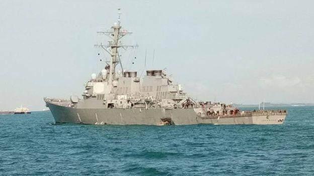 美舰与油轮相撞美军10名船员失踪.JPEG
