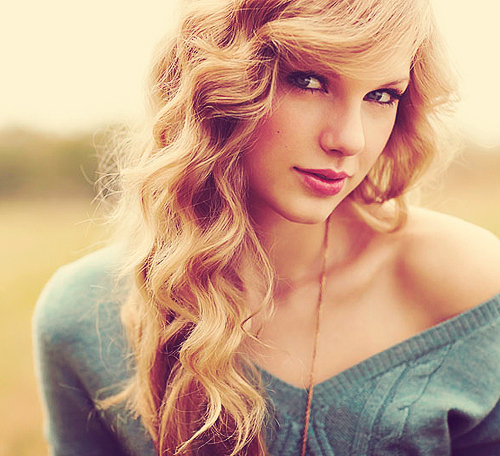 curly-hair-hair-hairstyle-taylor-swift-Favim.com-446457.jpg