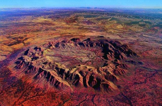 陨石坑.jpg