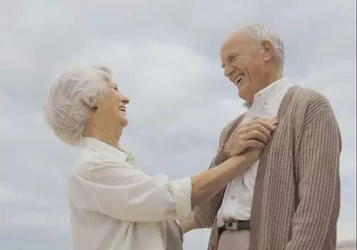 """科学家称人类寿命最高""""上限""""为115岁.jpg"""