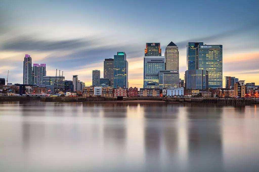 伦敦位居全球金融中心之首.jpg