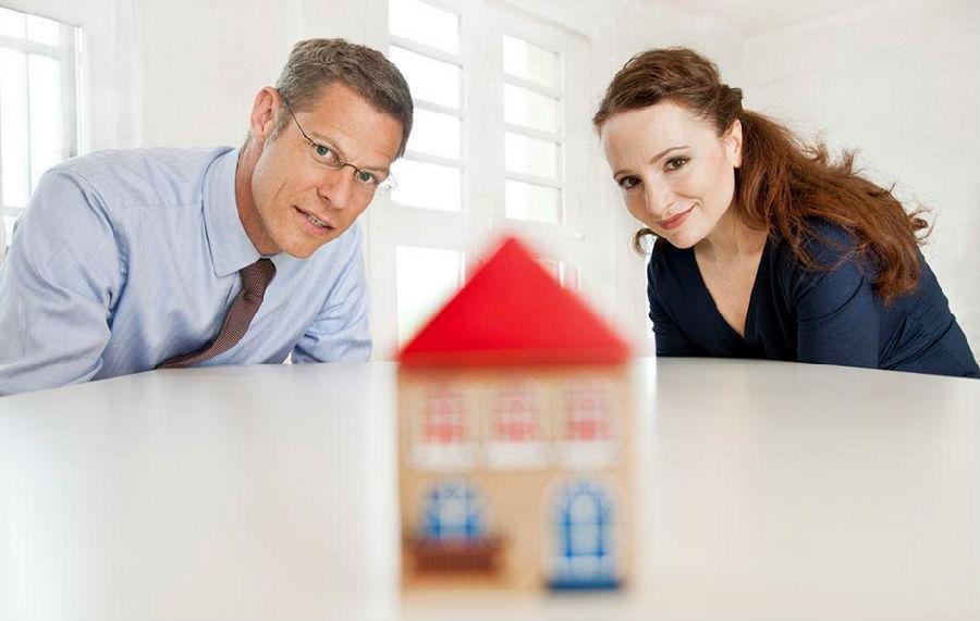 英国180万情侣不分手 只是为了买房!