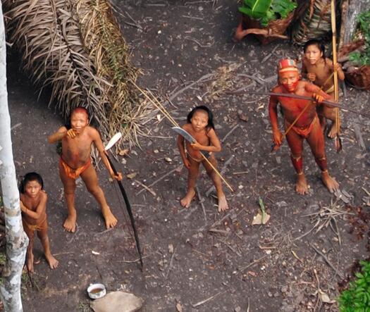 巴西10土著被屠.jpg