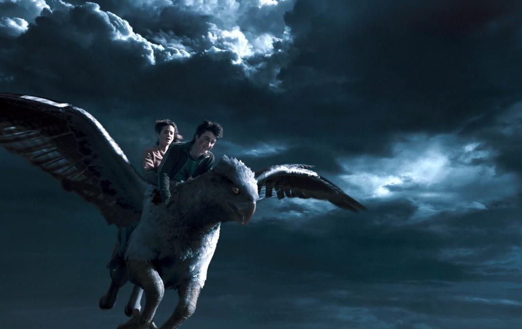 《哈利波特与阿兹卡班的囚徒》中哈利和赫敏用时光机回到了几...