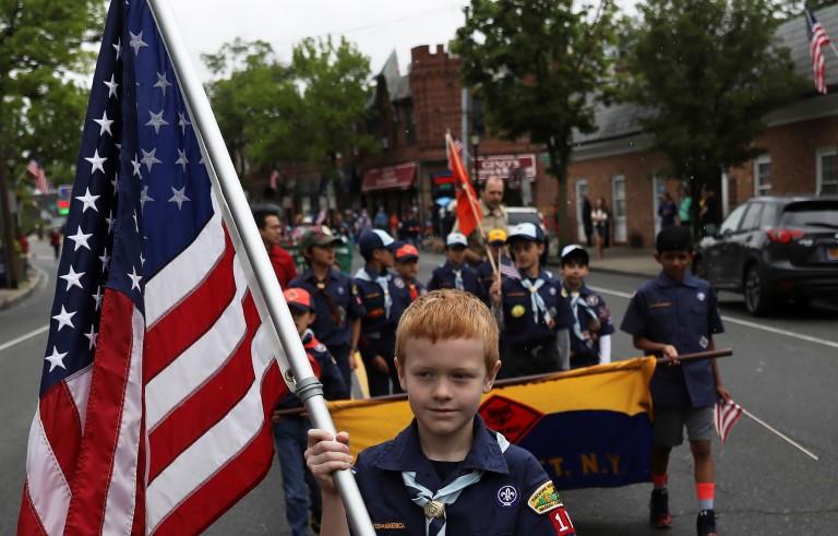 美国童子军同意女孩子的加入