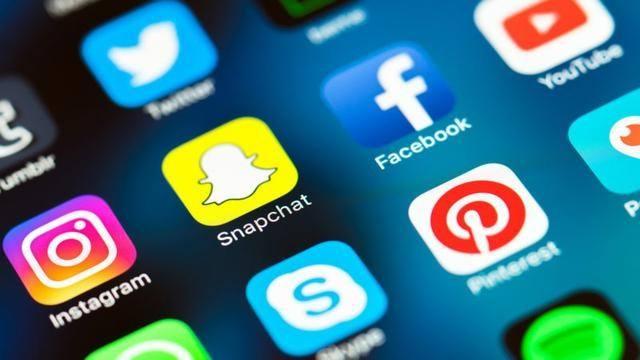 美国将收集移民的社交媒体信息.jpg