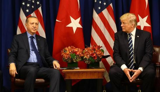 土耳其和美国外交官努力缓和两国关系.jpg