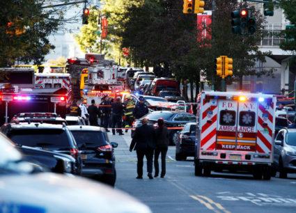 纽约爆发一起独狼式卡车袭击 嫌犯被捕